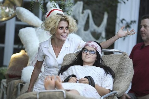 Modern-Family-Halloween-Episode-Pictures-2014